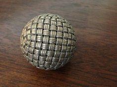 Single Stranded Globe Knot - 320 Facets