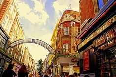 London's shopping spot at Canarby Street, an entirely pedestrianized area with human-sized shops which have become iconic in London's fashion search