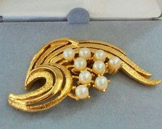 Simulated Pearl Brooch, Mint in Box, Tacoa USA 1960s, Figural Golden Branch with Pearl Fruit
