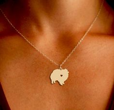 Pomeranian Pendant Necklace - Gold or Silver - If you love your dog, this necklace is perfect way to show it.