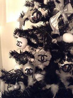 Christmas tree Chanel by Clara Giua