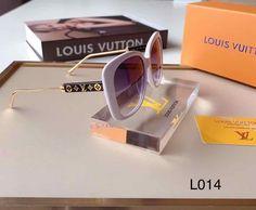 Wildfox, Round Sunglasses, Louis Vuitton, Sunglass Frames, Jewelry, Jewlery, Round Frame Sunglasses, Louis Vuitton Wallet, Jewerly
