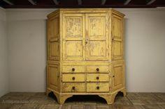 Rare Georgian Antique Housekeepers Cupboard - Antiques Atlas