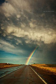 O destino é o arco-íris.  Fotografia: John de Bord.