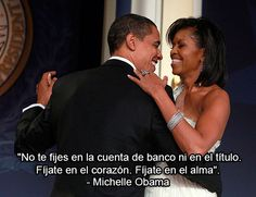 - Photo - Pictures of Michelle Obama and husband barack Obama's happy marriage