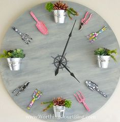 Wall clock is an important accent of the house. Every house has one or a couple of clocks. Almost each room's wall wants a clock that does additionally improve its magnificence. Garden Clocks, How To Make Wall Clock, Pottery Barn Inspired, Diy Clock, Diy Wall Clocks, Clock Craft, Clock Ideas, Creative Walls, Creative Ideas