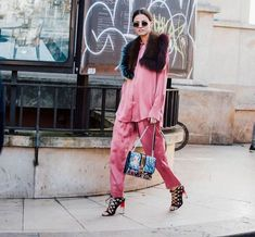 Animal prints, red, pink and lace are just a few of the street style trends spotted at Paris Fashion Week. Here are 10 looks we liked a bit extra. Got yourself a favourite? 1.    View original outfi