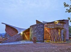 Curvaceous Brick House uses passive cooling and local materials in India … - Architecture Organique Architecture Design, Farmhouse Architecture, Organic Architecture, Pavilion Architecture, Vernacular Architecture, Residential Architecture, Landscape Architecture, Mumbai, Brick Building