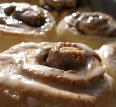 Bread Machine Cinnamon Buns by Krusty Bread Machine Cinnamon Rolls, Bread Machine Rolls, Cinnamon Bun Recipe, Cinnamon Recipes, Bread Maker Recipes, Dough Recipe, Sweet Bread, Bread Baking, Yeast Bread