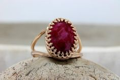 Ruby Ring Designs, Gold Earrings Designs, Gold Jewellery Design, Gold Rings Jewelry, Ruby Jewelry, Gold Bangles, Stone Ring Design, Gold Finger Rings, Coral Ring