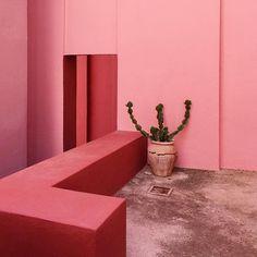 4,305 отметок «Нравится», 43 комментариев — Kelly Wearstler (@kellywearstler) в Instagram: «Paint the town. Xk #inspiration #architecture 📷: Ricardo Bofil»