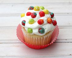 Treat-Rainbow colors-POLKA DOTS  Trix® cereal makes a splendid little bunch of polka dots for cupcakes, cakes, and cookies. Just press them gently into your frosting and decorate away!