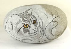 50 Best DIY Painted Rocks Animals Cats for Summer Ideas - steine gestalten - Painting Tips Pebble Painting, Pebble Art, Stone Painting, Diy Painting, Painted Rock Animals, Painted Rocks Craft, Hand Painted Rocks, Stone Crafts, Rock Crafts