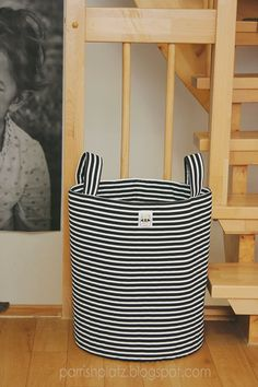 large stripey bins, tutorial sewing: things f Sewing Tutorials, Sewing Crafts, Sewing Projects, Sewing Patterns, Tutorial Sewing, Sewing Baskets, Storage Baskets, Bag Storage, Fabric Boxes