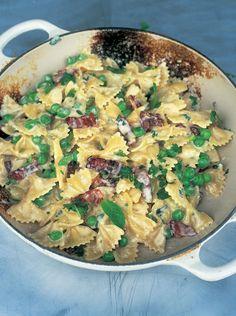 farfalle with carbonara & spring peas | Jamie Oliver | Food | Jamie Oliver…