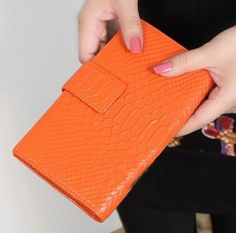 Free shipping 100% Genuine Leather women's Crocodile pattern wallet , lady Card holder fashion leather purse