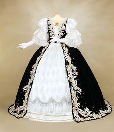 """Elisabeth"" (coronation) (Salon de Takarazuka)"