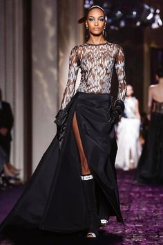 http://giokathleen.blogspot.com/2014/07/versace-couture-fall-winter-2014-paris.html