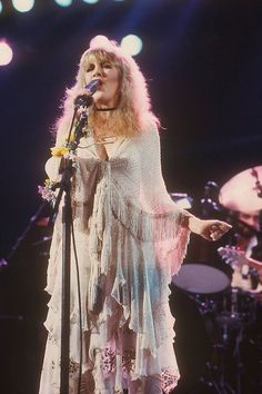Stevie  ☆♥❤♥☆    all feminine and flowery onstage during Fleetwood Mac's  'Mirage' Tour, 1982