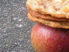 Apple Cinnamon Chip Cookies = the best. Brownie Cookies, Cookie Bars, Chip Cookies, Brownie Recipes, Cookie Recipes, Dessert Recipes, Cinnamon Chips, Apple Cinnamon, Pie Cake