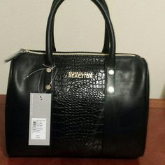 KENNETH COLE PURSE BRAND NEW KENNETH COLE PURSE BRAND NEW Kenneth Cole Bags Satchels