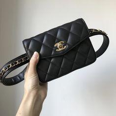 a1f06e4db4e7 Chanel woman waist belt bag quilted original leather version   Burberryhandbags