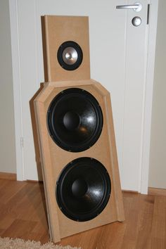 "A dipole speaker with single Jordan JX92 and two Peerless SLS-12""."