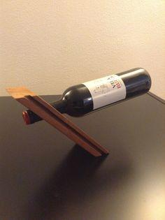 Suporte de garrafa em madeira de Macacauba
