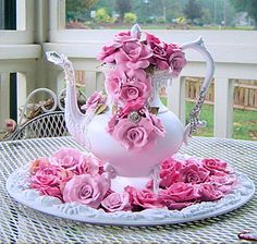 Teapot and Pink Roses #Pinterest Pink