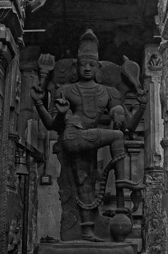 Human Sculpture, Stone Sculptures, Indian Temple, Hindu Temple, Lord Shiva Statue, Vintage India, Indian Gods, Gods And Goddesses, All Art