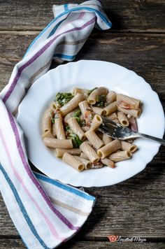 Pasta gorgonzola asparagi e guanciale un primo piatto facile da preparare e molto gustoso. Fett, Bread, Italian Recipes, Brot, Baking, Breads, Buns