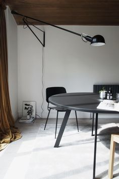 The perfect round dining table - K2 dining table from JENSENplus. Minimal danish design. Scandinavian dining room.