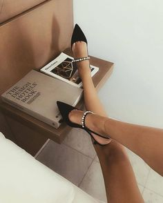 52 New Ideas Moda Femenina Outfits Ideas Heels Cute Shoes, Me Too Shoes, Shoe Boots, Shoes Heels, Mode Outfits, Luxury Shoes, Shoe Game, Dove Cameron, Ideias Fashion