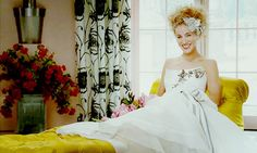 http://videos.vidora.com/details?v=3100 Carrie Bradshaw (S.J.P.) wearing a Carolina Herrera variant from the Spring 2008 collection! Which wedding dress from the her Vogue shoot did you like best?!