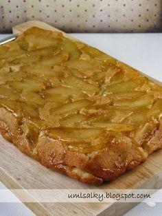 Už dříve jsem obrácený jablečný koláč zkoušela péct s listovým těstem. Jakmile jsem ale narazila na recept v kuchařce Deník Dity P. , už... Desert Recipes, Food Hacks, Apple Pie, Cheesecake, Deserts, Food Porn, Food And Drink, Keto, Sweets