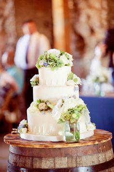 seriously amazing wedding cake | Kick Up Your Heels Rustic Wedding | Lindsey Hahn Photography | Heart Love Weddings