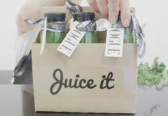 Le jus détox Vogue Paris & Juice It Vogue Paris, Nutrition, Isabel Marant, Paper Shopping Bag, Juice, Flavored Waters, Juices, Juicing