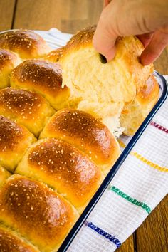 And you thought that our first recipe of the year would be something light? Mexican Sweet Breads, Mexican Bread, Mexican Food Recipes, Dessert Recipes, Bread Machine Recipes, Bread Recipes, Croissants, Lemon Cream Cake, Donuts