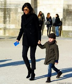 lafemme-emmanuellealt: Emmanuelle Alt, Editor-in-Chief of Vogue Paris, with her daughter