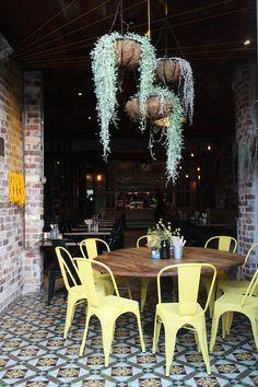 The Grounds of Alexandria Sydney by Petite Passport (hanging plant restaurant) Deco Restaurant, Restaurant Interior Design, Cafe Interior, Interior Exterior, Exterior Design, Design Café, Cafe Design, House Design, Decoration Inspiration