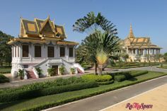 La sonnolenta Phnom Penh e i suoi gioielli: il Palazzo Reale, la Pagoda d'Argento e il Mekong | www.romyspace.it