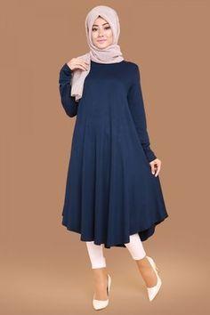 Discover thousands of images about Akasya Sade Tunic Laci Product code: -> TL Stylish Dresses For Girls, Stylish Dress Designs, Designs For Dresses, Frock Fashion, Modesty Fashion, Fashion Outfits, Muslim Women Fashion, Islamic Fashion, Pakistani Dresses Casual