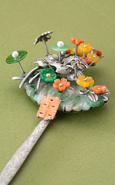 Korean hairpin by Naschenka Korean Hanbok, Korean Dress, Ancient Jewelry, Antique Jewelry, Hair Jewelry, Jewelry Art, Korean Accessories, Korean Jewelry, Korean Traditional Dress