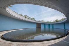 Le Benesse House Museum, à Naoshima, conçu par Tadao Ando. More - Lonni - Pineagle Sacred Architecture, Water Architecture, Museum Architecture, Stairs Architecture, Japanese Architecture, Architecture Details, London Architecture, Religious Architecture, Sustainable Architecture