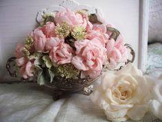 Pink Rose Floral Arrangement