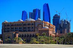Emirates_Palace_Hotel_2013-01-17_-_panoramio.jpg (1280×852)