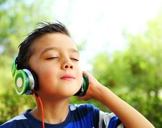 Scientific research confirms that music can heal and strengthen the brain. Try these 8 tried-and-true classical songs to help your child with ADHD focus, improve language acquisition, and even sleep.