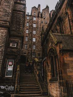 I'm missing my city. Edinburgh I will return. Scotland Vacation, Scotland Travel, City Aesthetic, Travel Aesthetic, Places To Travel, Places To Go, Travel Destinations, Mykonos, Visit Edinburgh