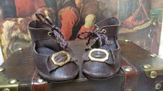 LEATHER SHOES FOR ANTIQUE GERMANY OR FRENCH DOLL / Puppenschuhe für antike Puppe