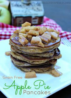 Grain-Free Apple Pie Pancakes #paleo #glutenfree